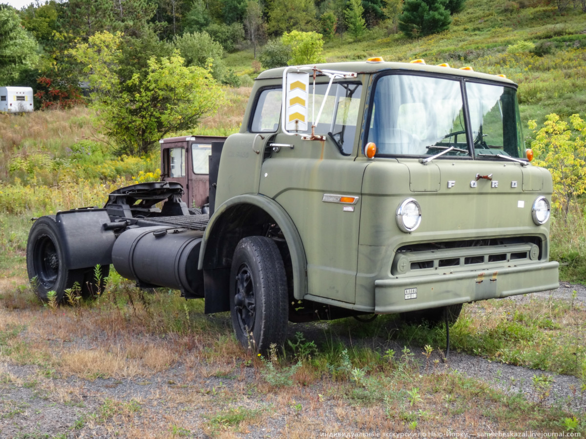 Популярный в городе грузовик Ford также служил в армии