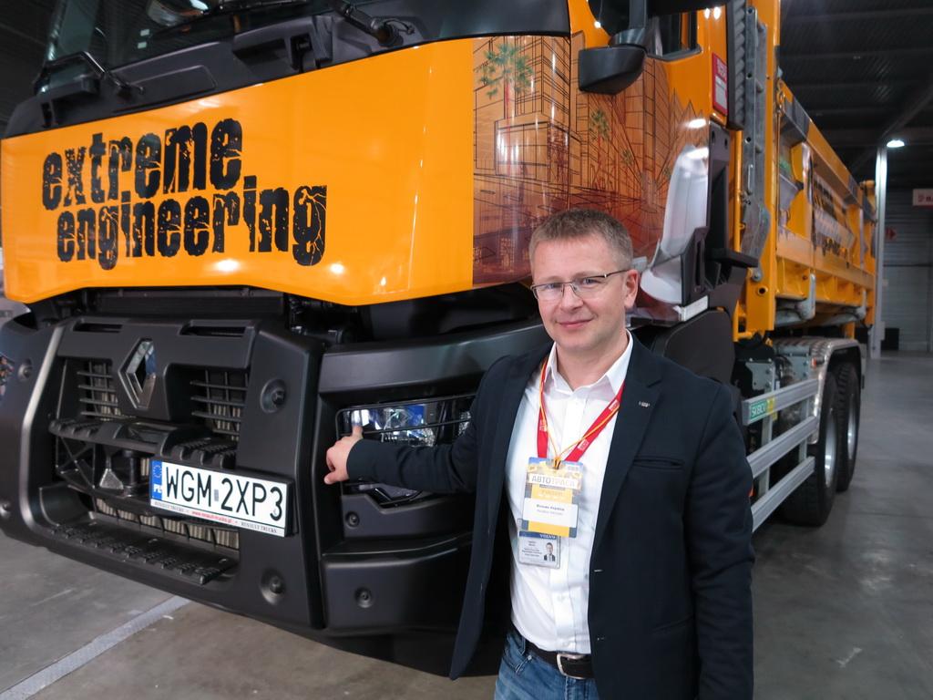 Михаил Лапшин, представитель по продажам грузовых автомобилей Renault компании «Вольво Украина»
