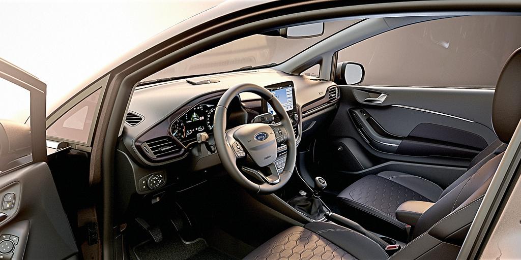 интерьер нового Ford Fiesta