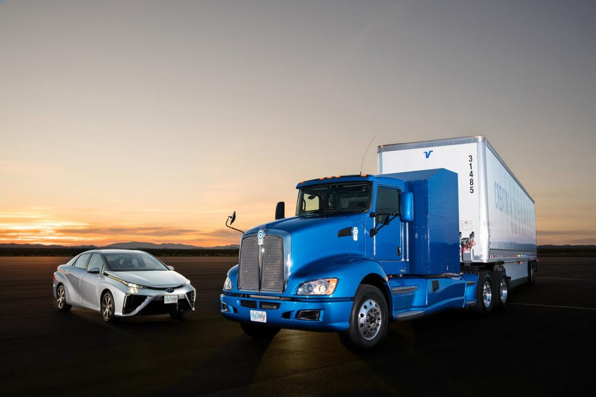 Как из двух Toyota Mirai сделали магистральный тягач Kenworth T660