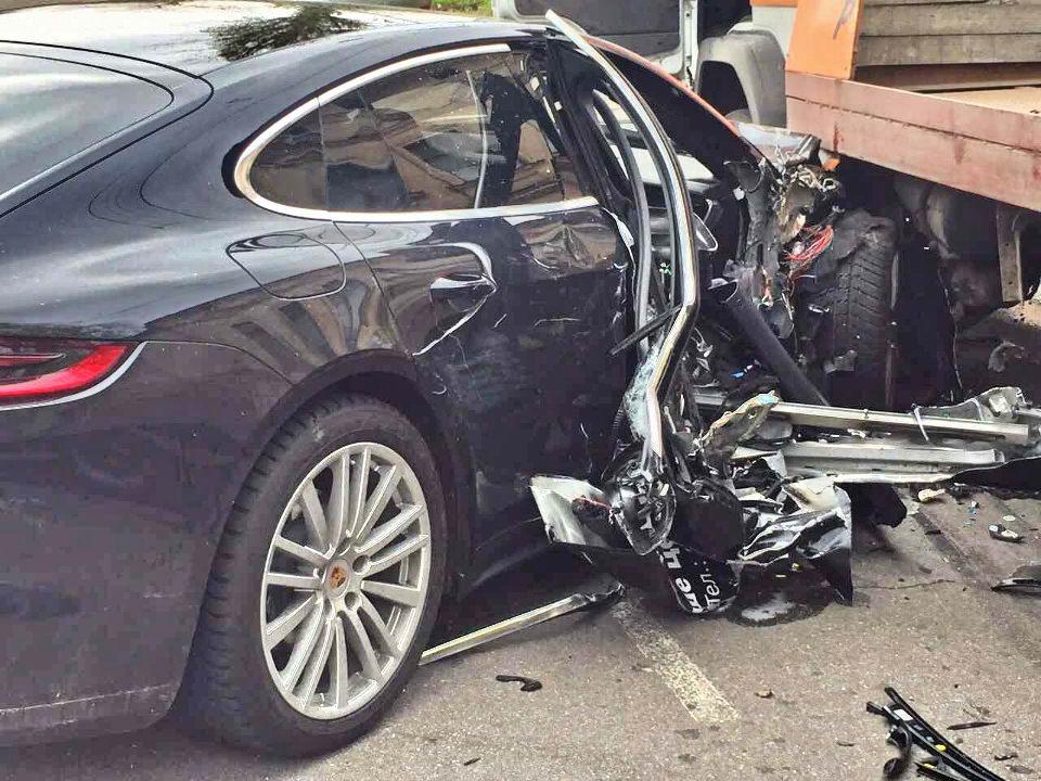 В Одессе разбили новый Porsche во время тест-драйва