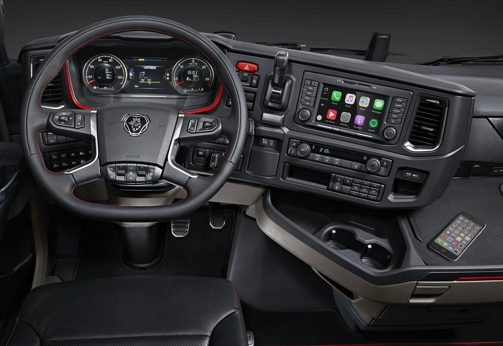 Apple CarPlay впервые появится на грузовиках