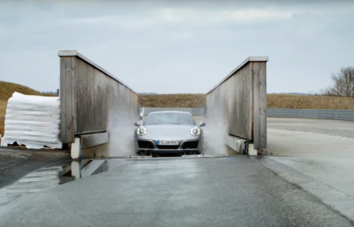 Броды, выбоины и соляная ванна – как испытывают автомобили Porsche