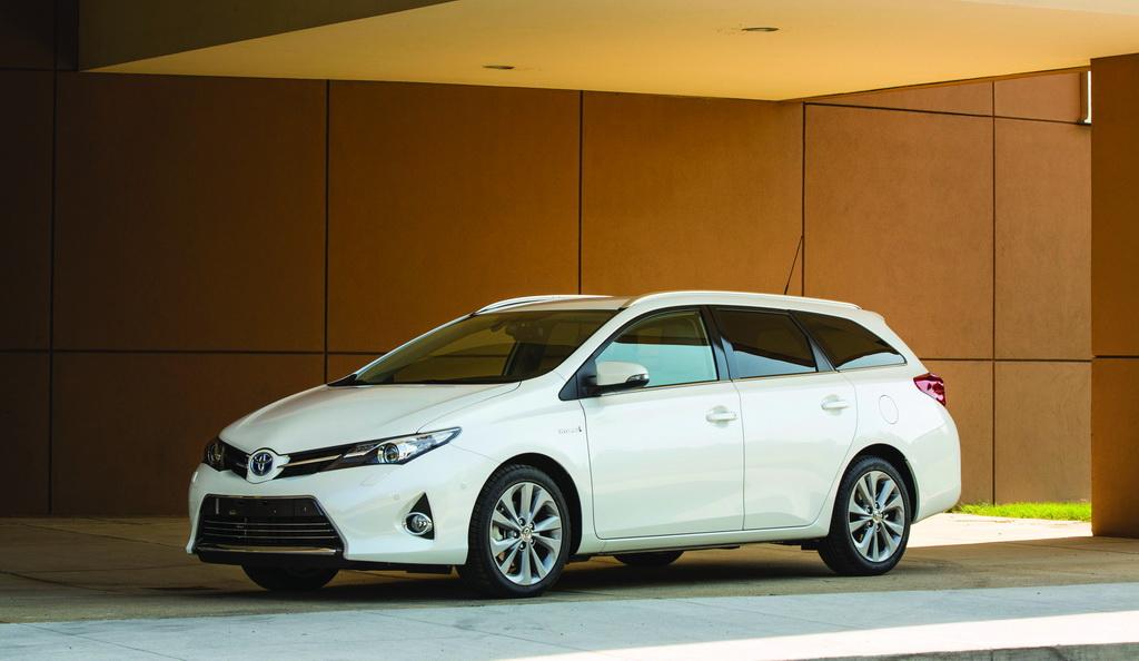 Toyota Auris Hybrid Touring Sports, 2013