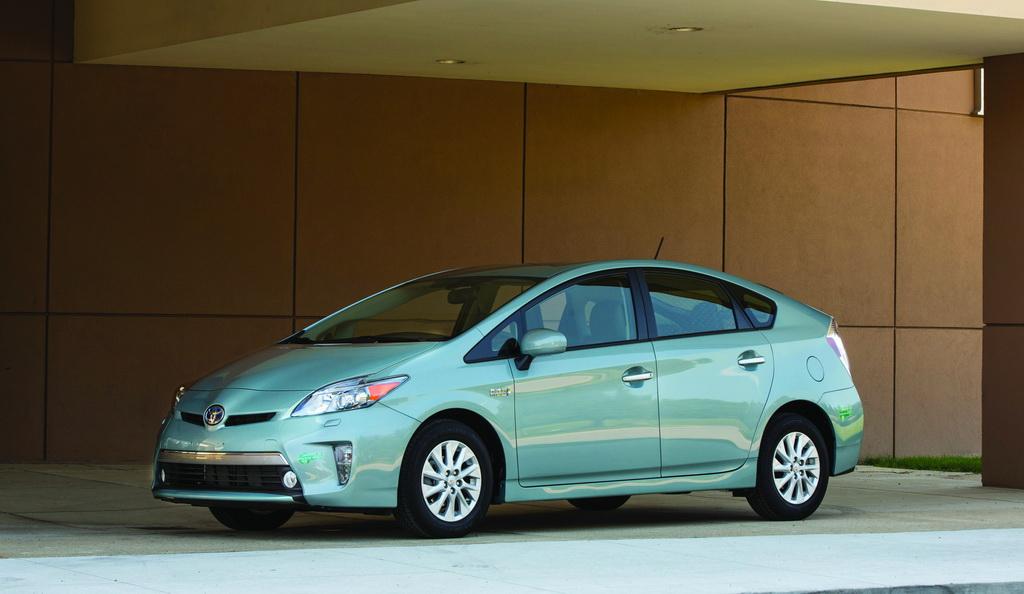 Toyota Prius Plug-in Hybrid, 2013