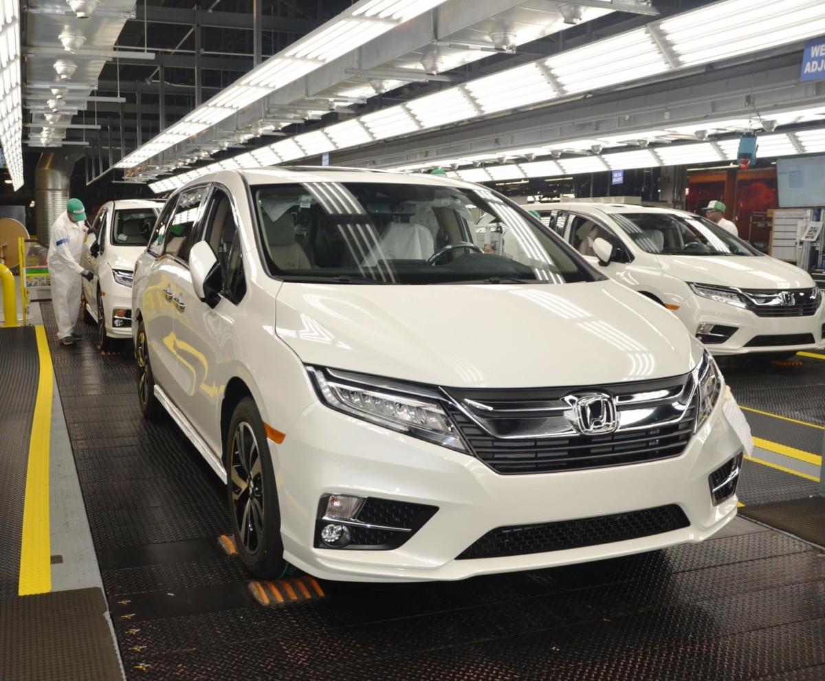 Новый мини-вэн Honda Odyssey получил 10-ступенчатый автомат
