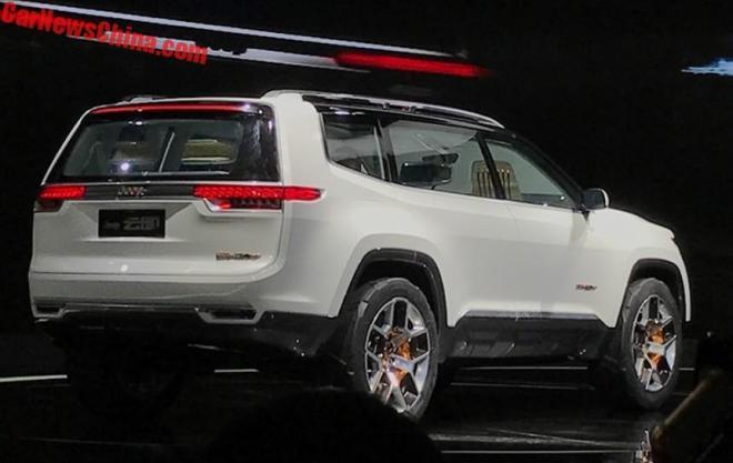 ВШанхае представлен шестиместный кроссовер Jeep Yuntu