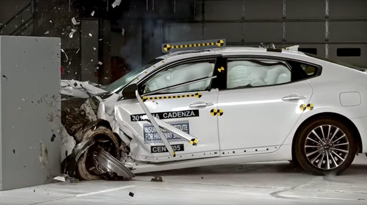 Новая Kia Cadenza получила наивысшую оценку за краш-тест