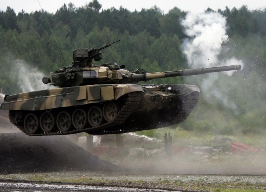 Танк Т-72 получил дистанционное управление
