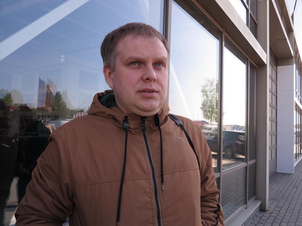 Артем Синенко Начальник отдела продаж автогидроподъемников и спецтехники ООО «Техкомплект»