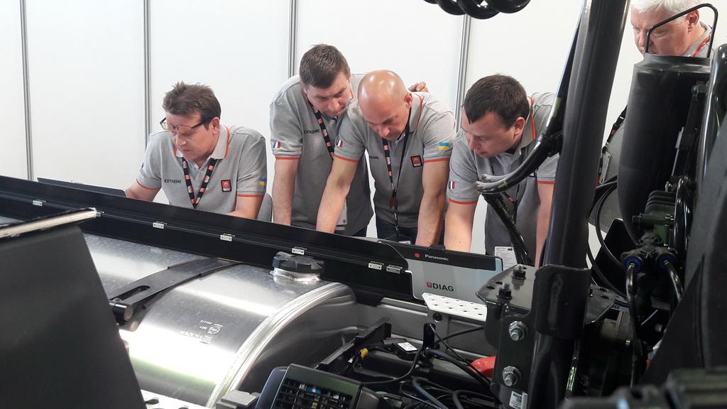 Практичних випробувань у навчальному центрі Renault Trucks в реальних умовах