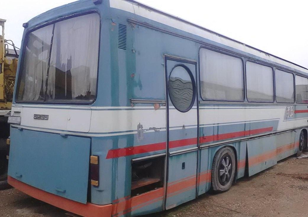 ЛАЗ-5255П «Карпаты» для перевозки космонавтов имел боковую дверь с круглым окном - иллюминатором