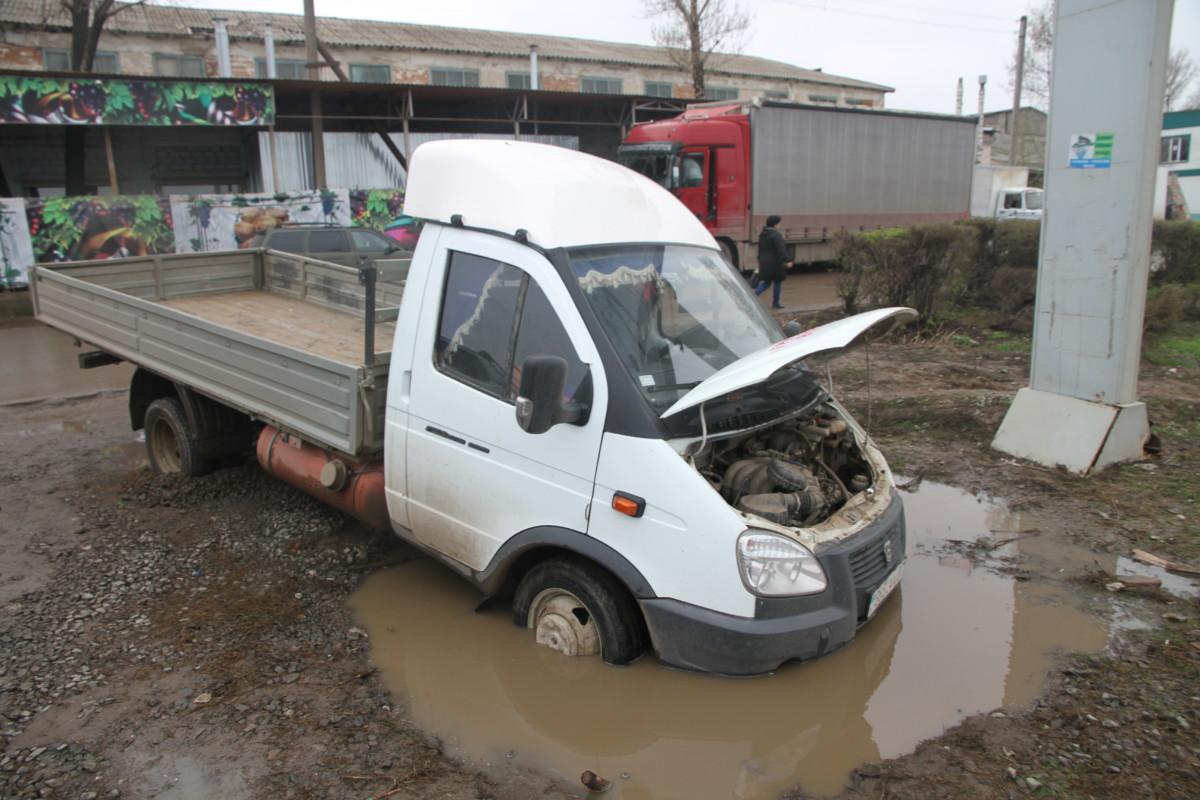 Украина ввела новые санкции против российских автозаводов