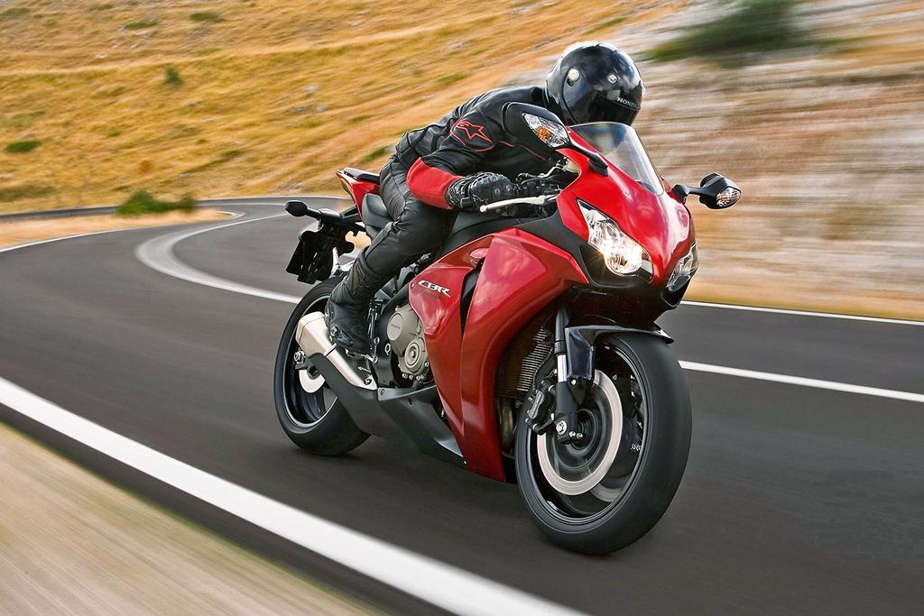 Правила езды на мотоцикле и скутере