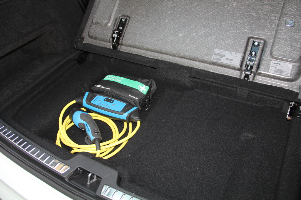 Багажник Volvo XC90 T8