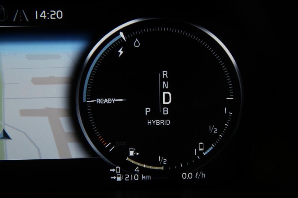 Приборы Volvo XC90 T8
