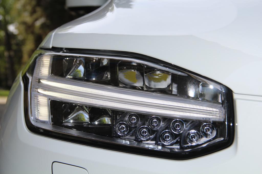 Фара Volvo XC90 T8
