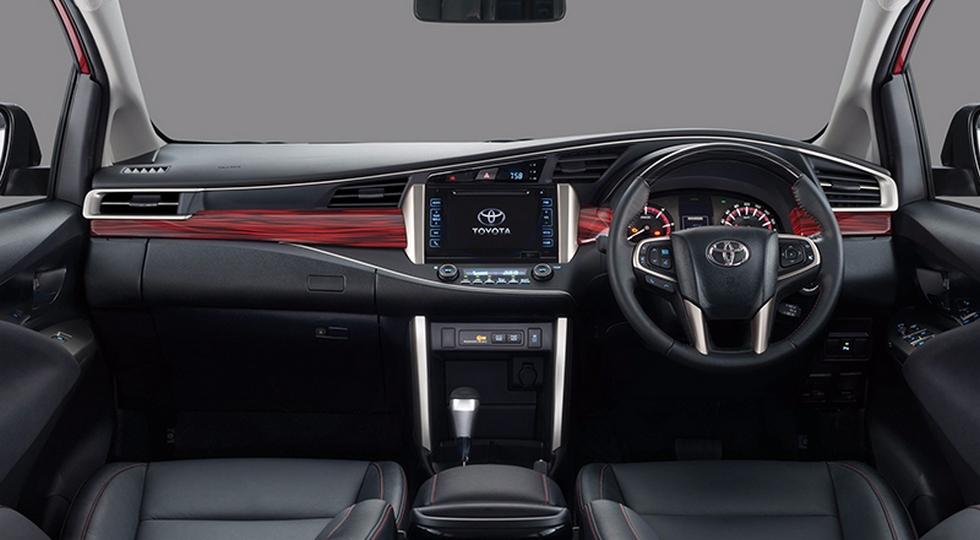 Внедорожный мини-вэн Toyota поступил в продажу