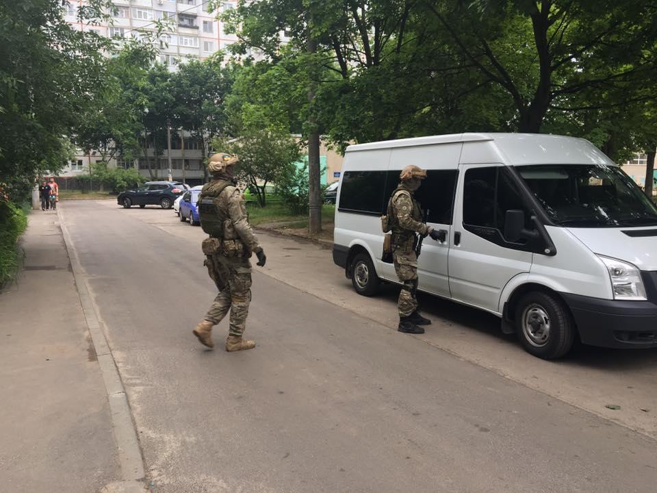 В Харькове спецназ устроил облаву на владельцев нерастаможенных авто