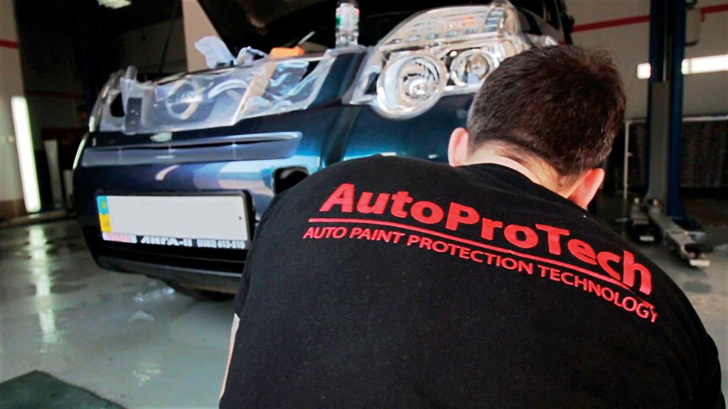 полиуретановая пленка покрытие для автомобиля
