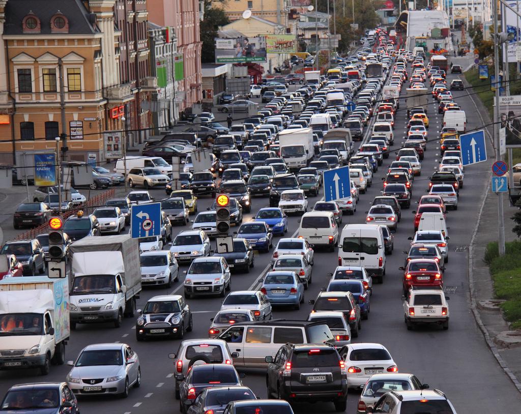 Пробки в Киеве исчезнут благодаря «умным» светофорам и электронным табло