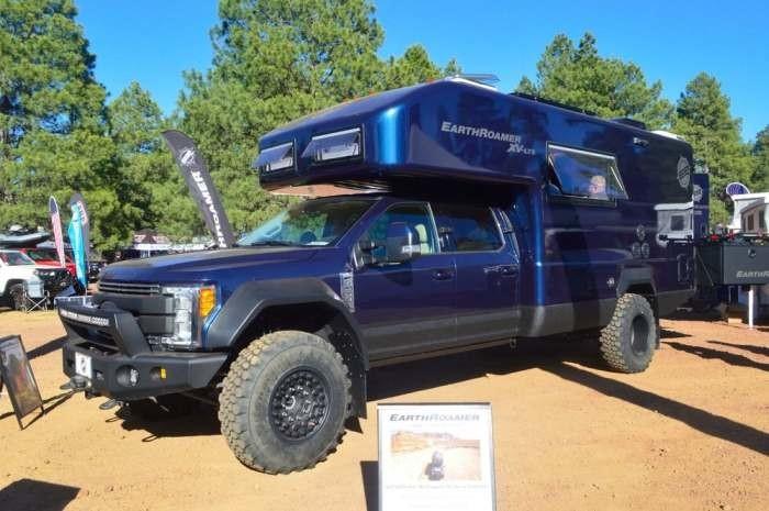 Ford F-серии с автокемпером EarthRoamer