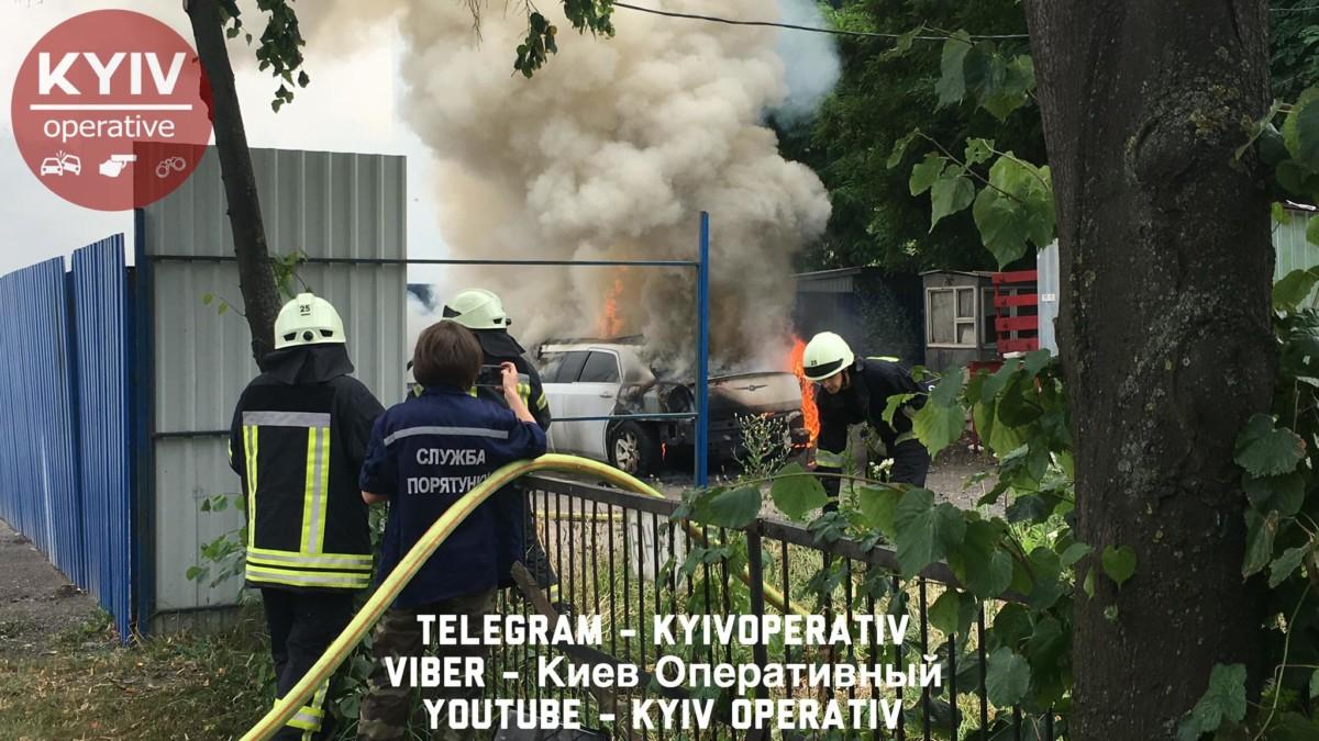В Киеве вновь взорвался автомобиль