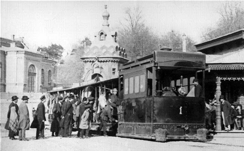 Паровой трамвай на Царской пл. 1892