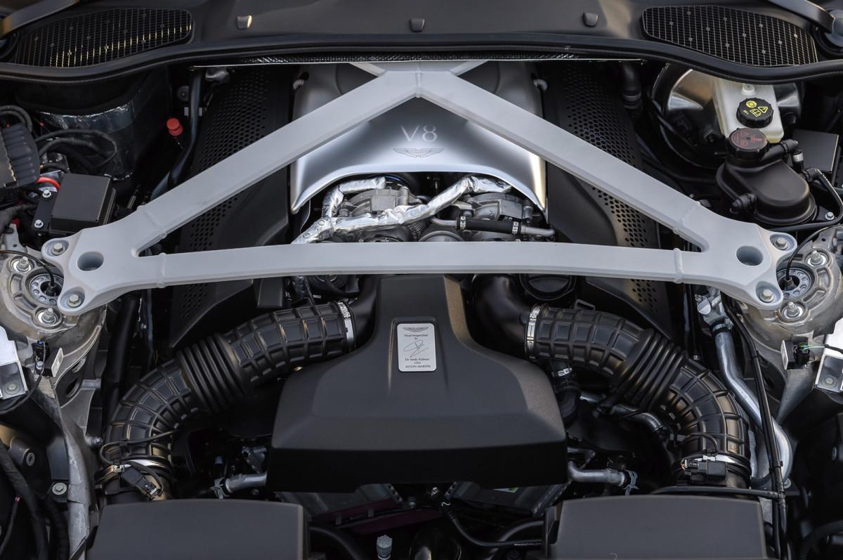 Представлен первый суперкар Aston Martin с двигателем Mercedes