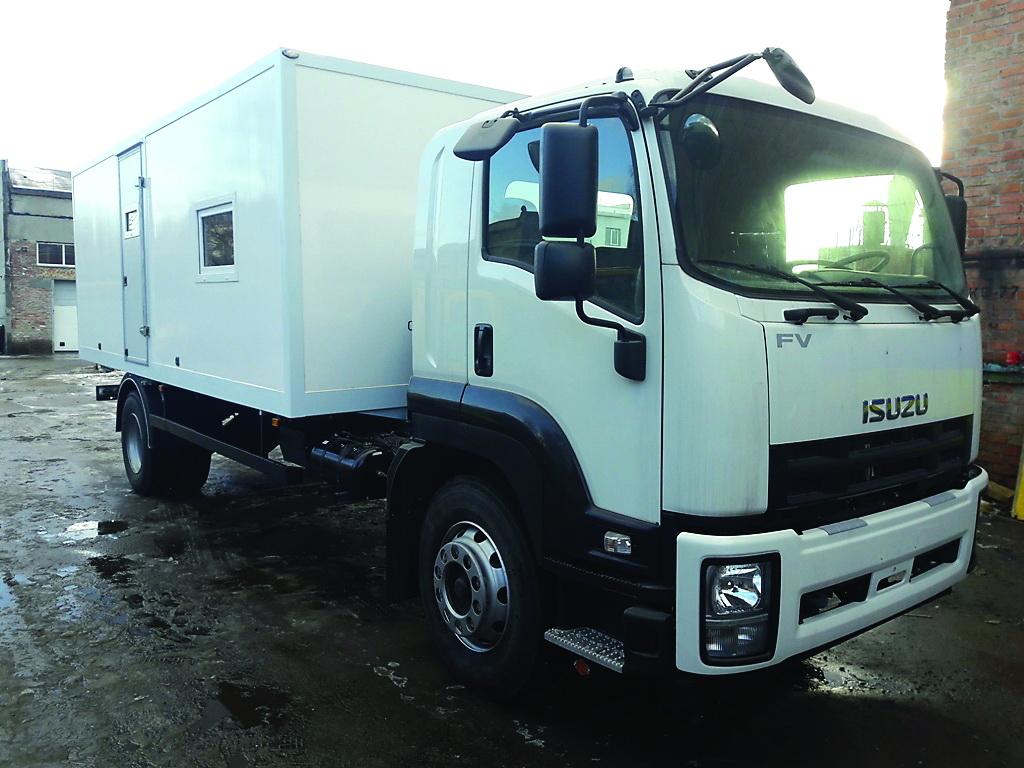Самый мощный из предлагаемых в Украине ISUZU – модель FVR34 грузоподъемностью 12,5 т с фургоном для службы ремонта коммуникаций.