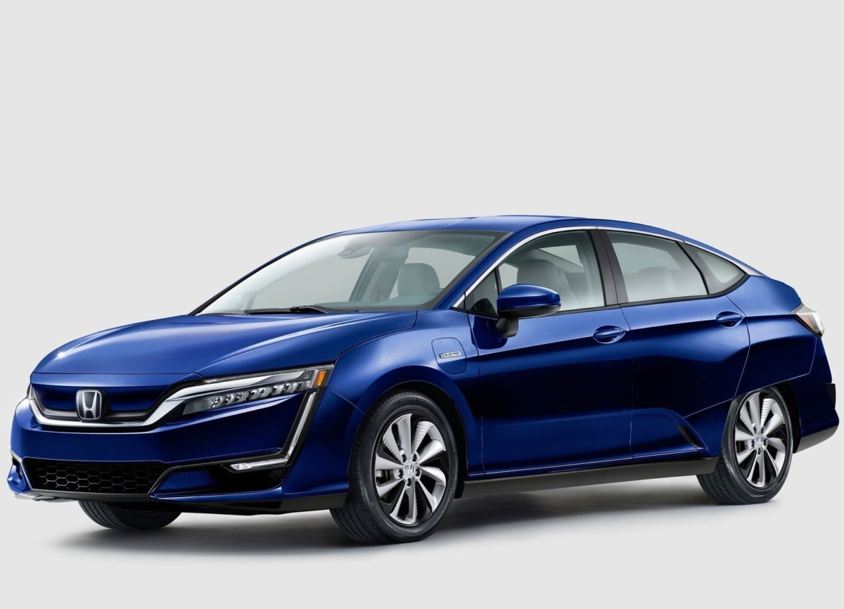 Honda выпустит бюджетный электромобиль и суперкар «на батарейках»