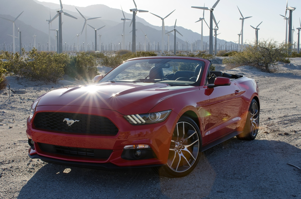2015 Ford Mustang Convertible in Palm Springs, California