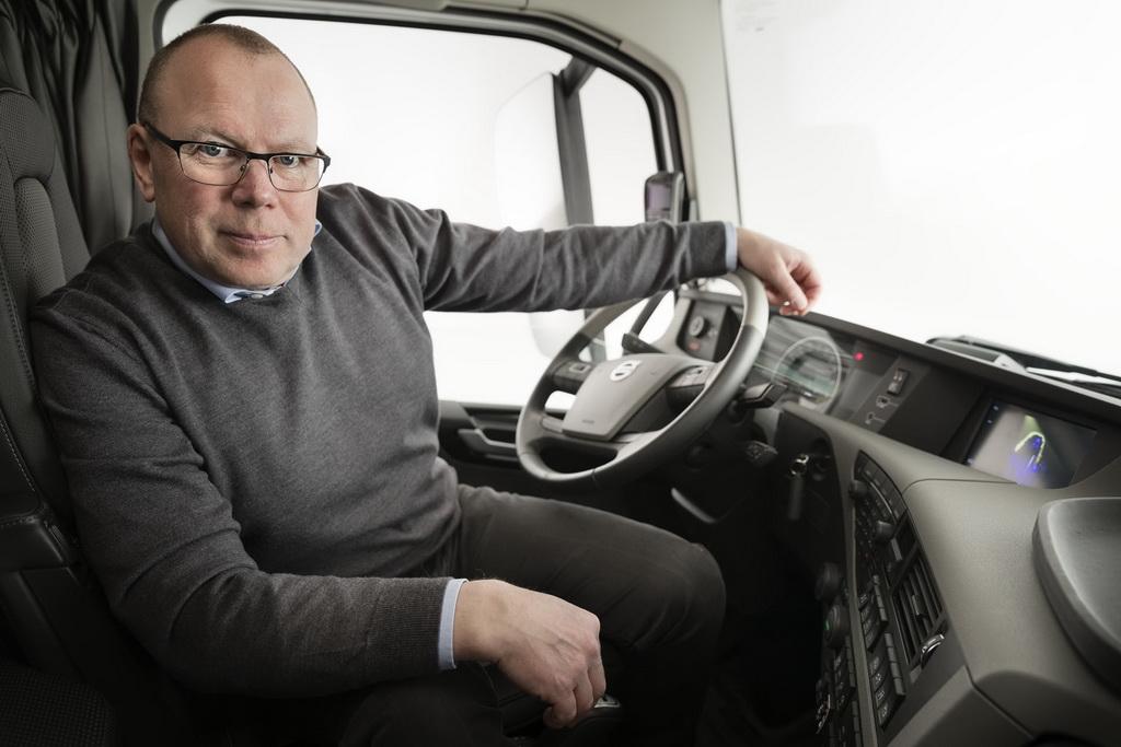 Андерс Эденхольм, руководитель направления развозных операций Volvo Trucks