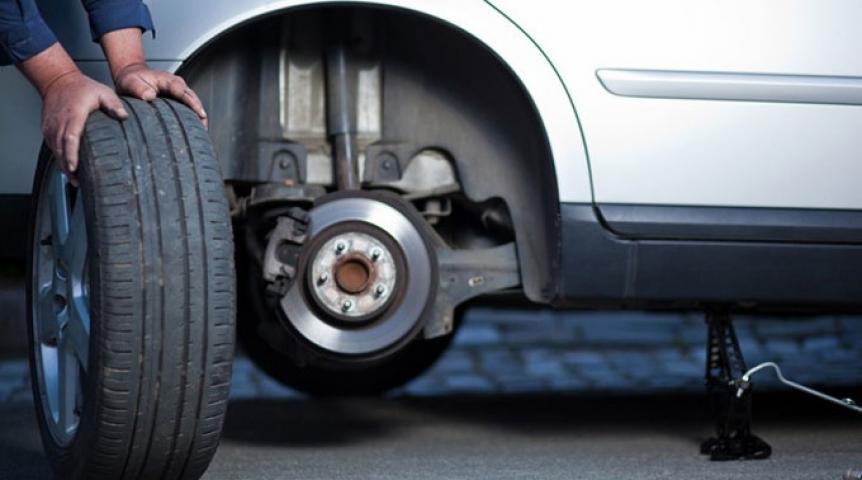 Украинских водителей до 2020-ого года вынудят пользоваться сезонными шинами