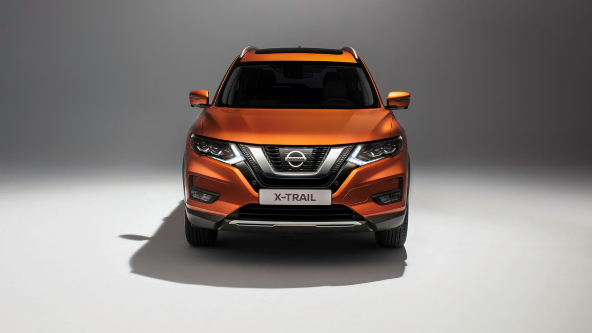 Обновленный Nissan X-Trail экстерьер