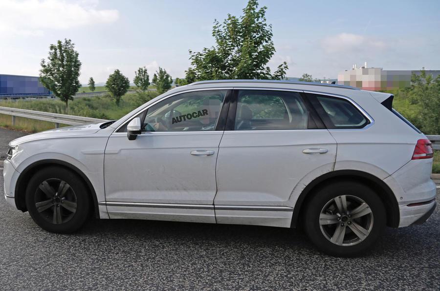 Volkswagen Touareg 2018 замечен во время тестов