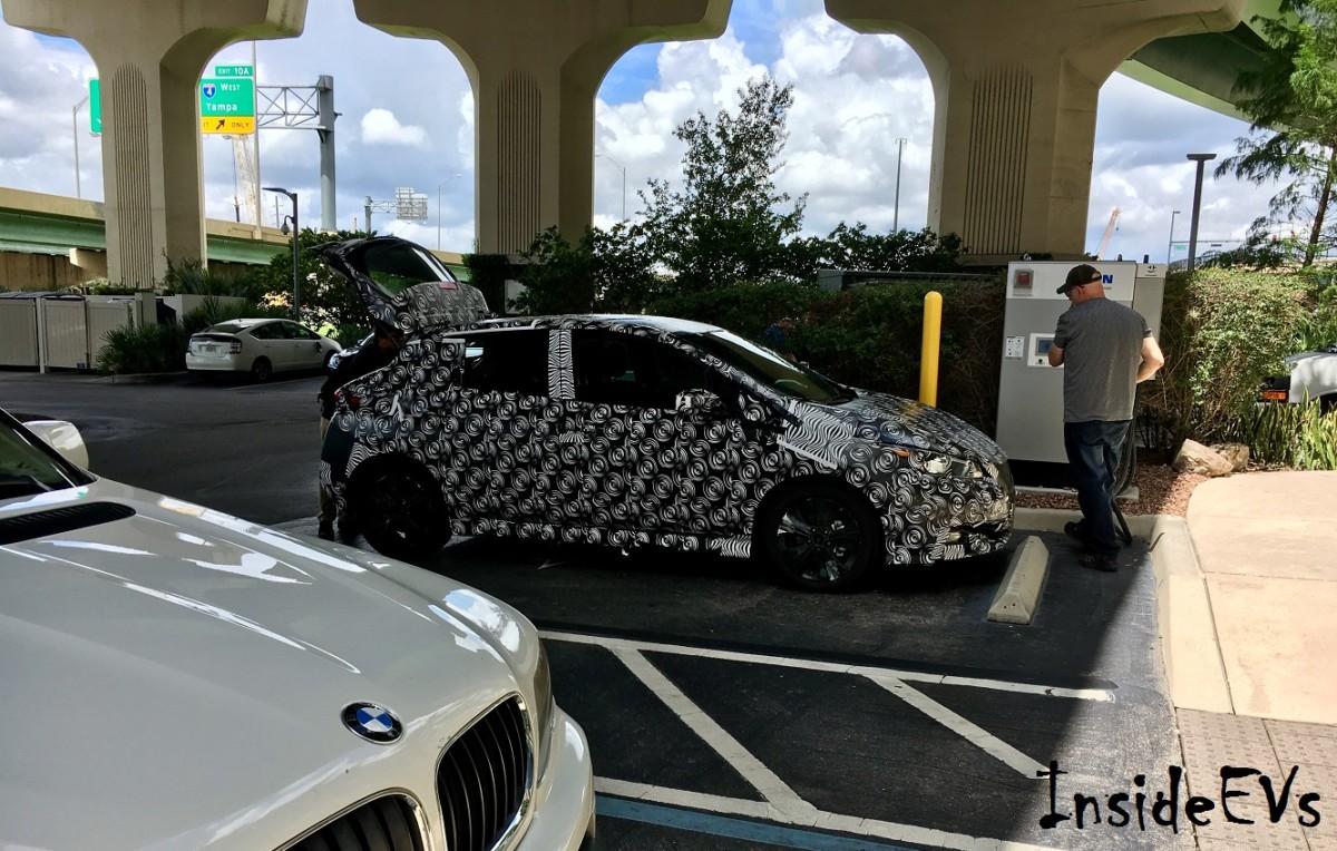 Новый Nissan Leaf 2018 замечен на тестах