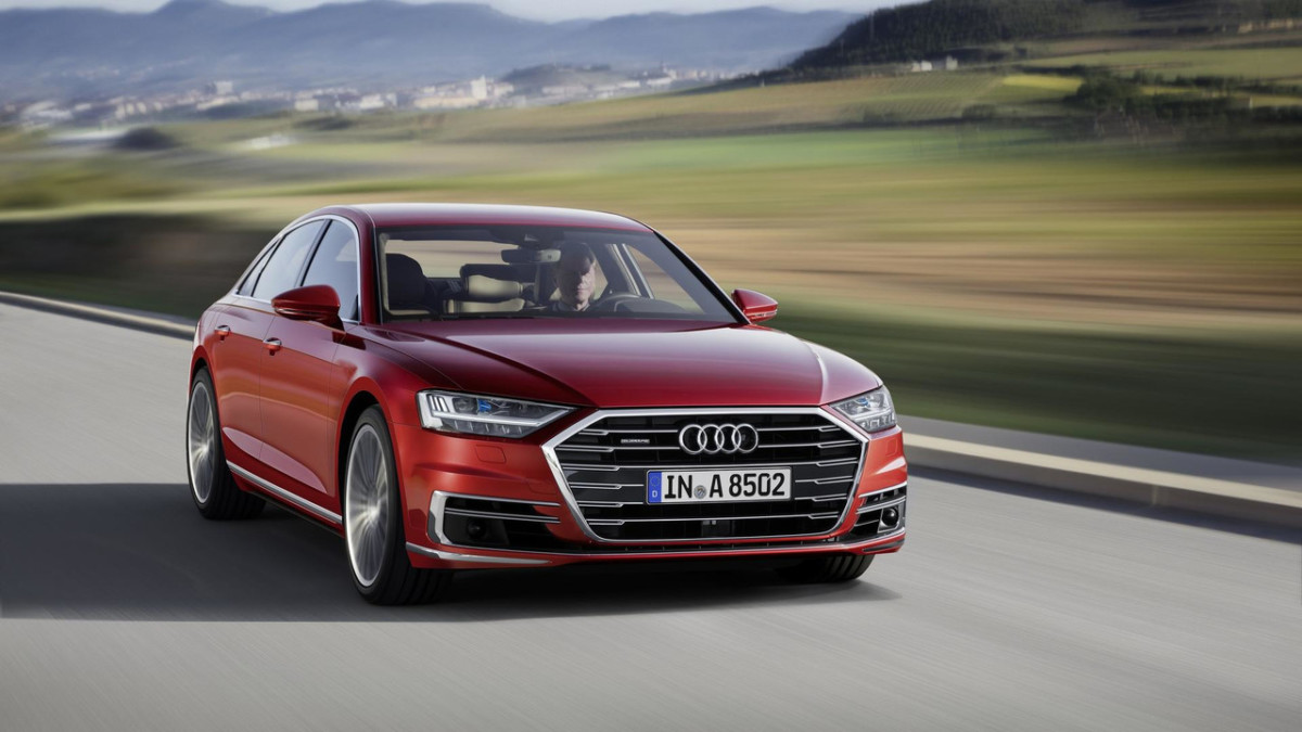 Новая Audi S8 станет подзаряжаемым гибридом