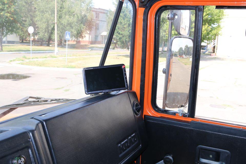 Автомобили КрАЗ впервые получили камеру заднего вида
