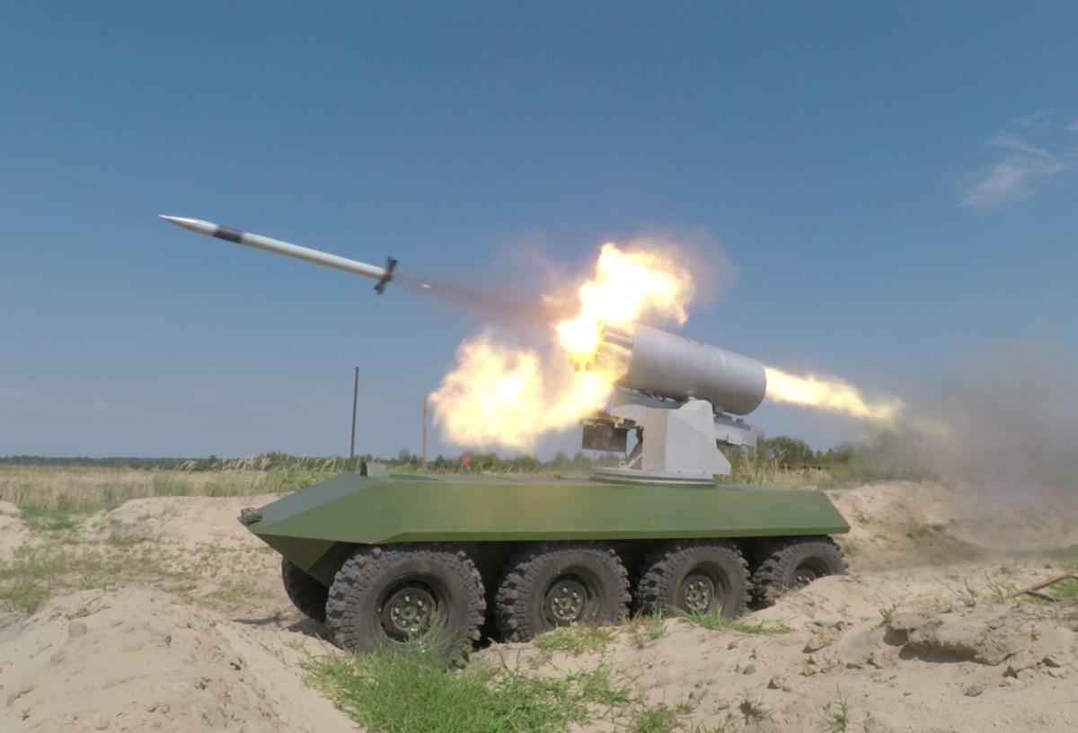 В Украине испытали беспилотный БТР 8х8 с ракетами типа «Град»