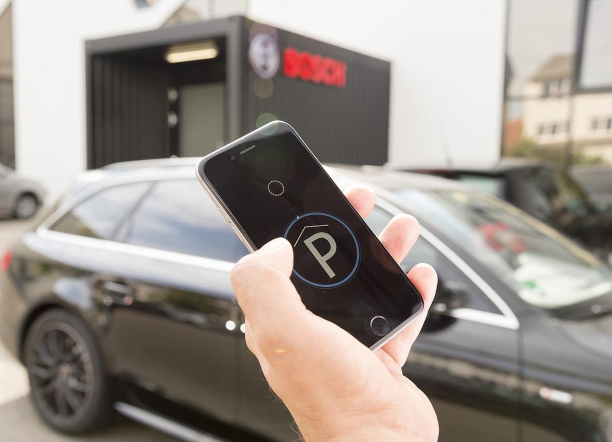 Mercedes-Benz и Bosch представили полностью автоматизированную парковку