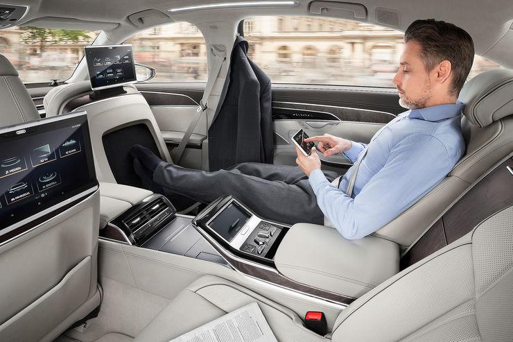 Премьера Audi A8 2018: чем удивил новый флагманский седан Ауди