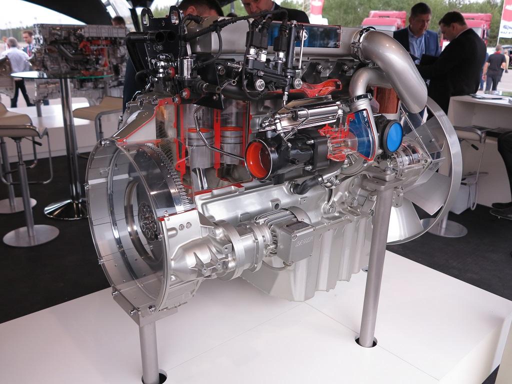 Mercedes-Benz OM 926 LA стандарта Евро 5 мощностью ни много ни мало 326 л. с.