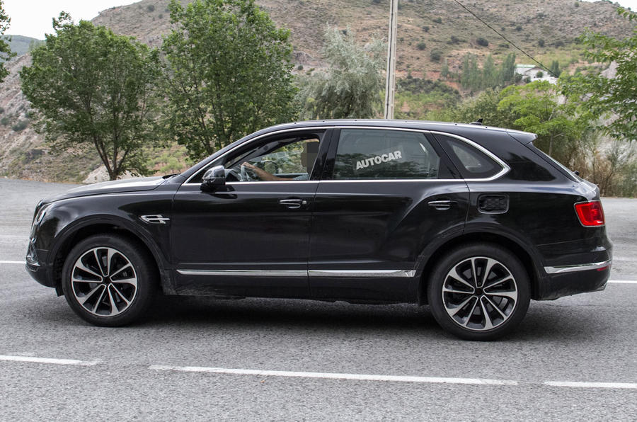 Первый гибрид Bentley замечен на тестах