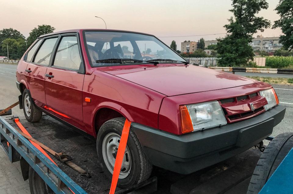 В Запорожье нашли уникальный ВАЗ-21093 - с нереально малым пробегом