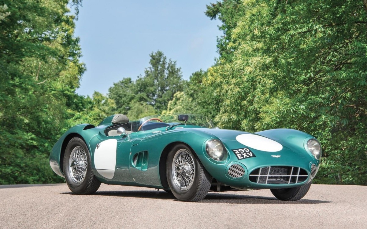 Спорткар Aston Martin DBR1 стал самым дорогим британским авто