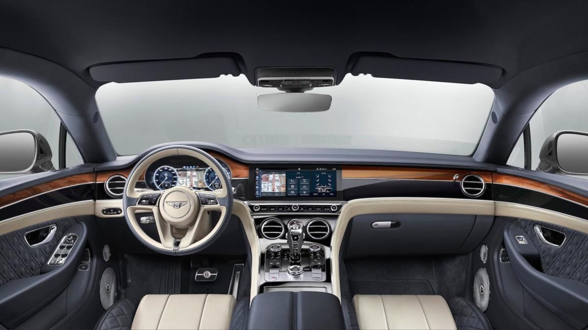 Новый Bentley Continental GT 2018 полностью рассекречен