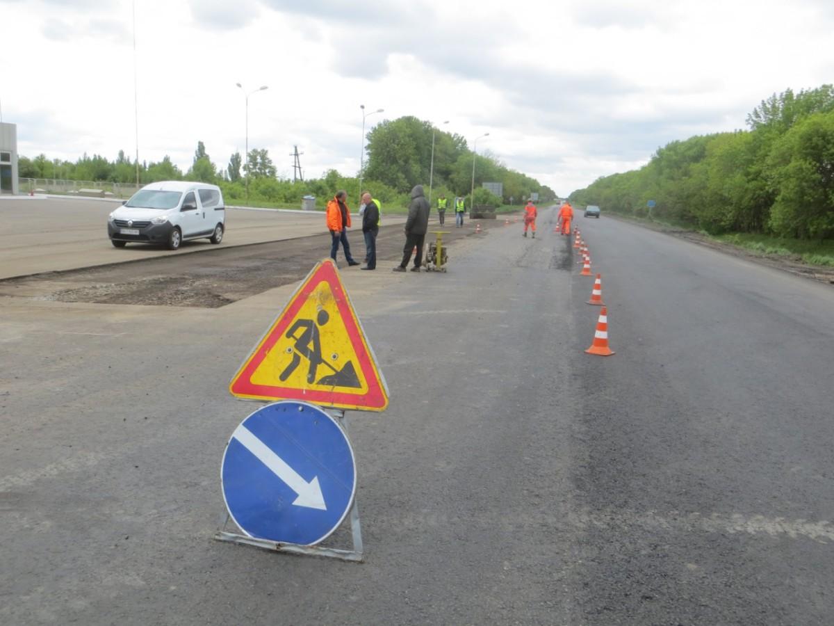 Китайцы взялись за ремонт дорог в Украине