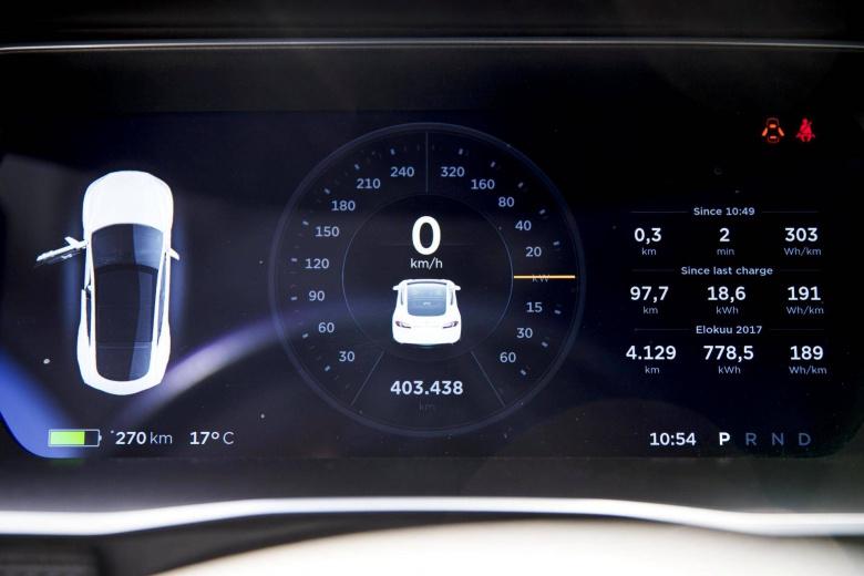 Обнаружен электромобиль Tesla с рекордным пробегом