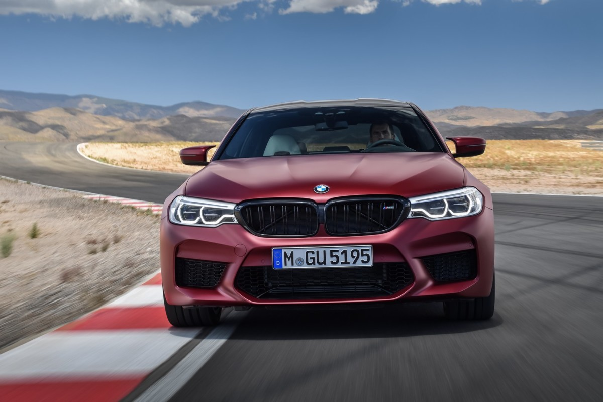 BMW M5 2018: все подробности нового спорт-седана БМВ